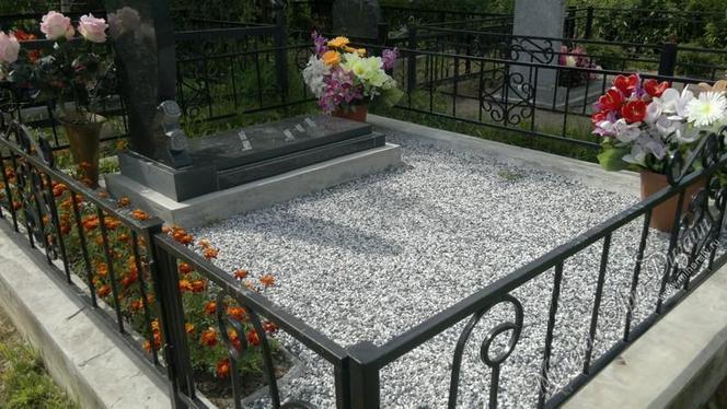Благоустройство захоронений в Барнауле